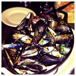 Steamed Black Mussels with Shallots and White Wine